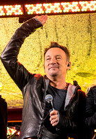 Bruce Springsteen World AIDS Day (RED) Concert Times Square, NYC 12.1.14